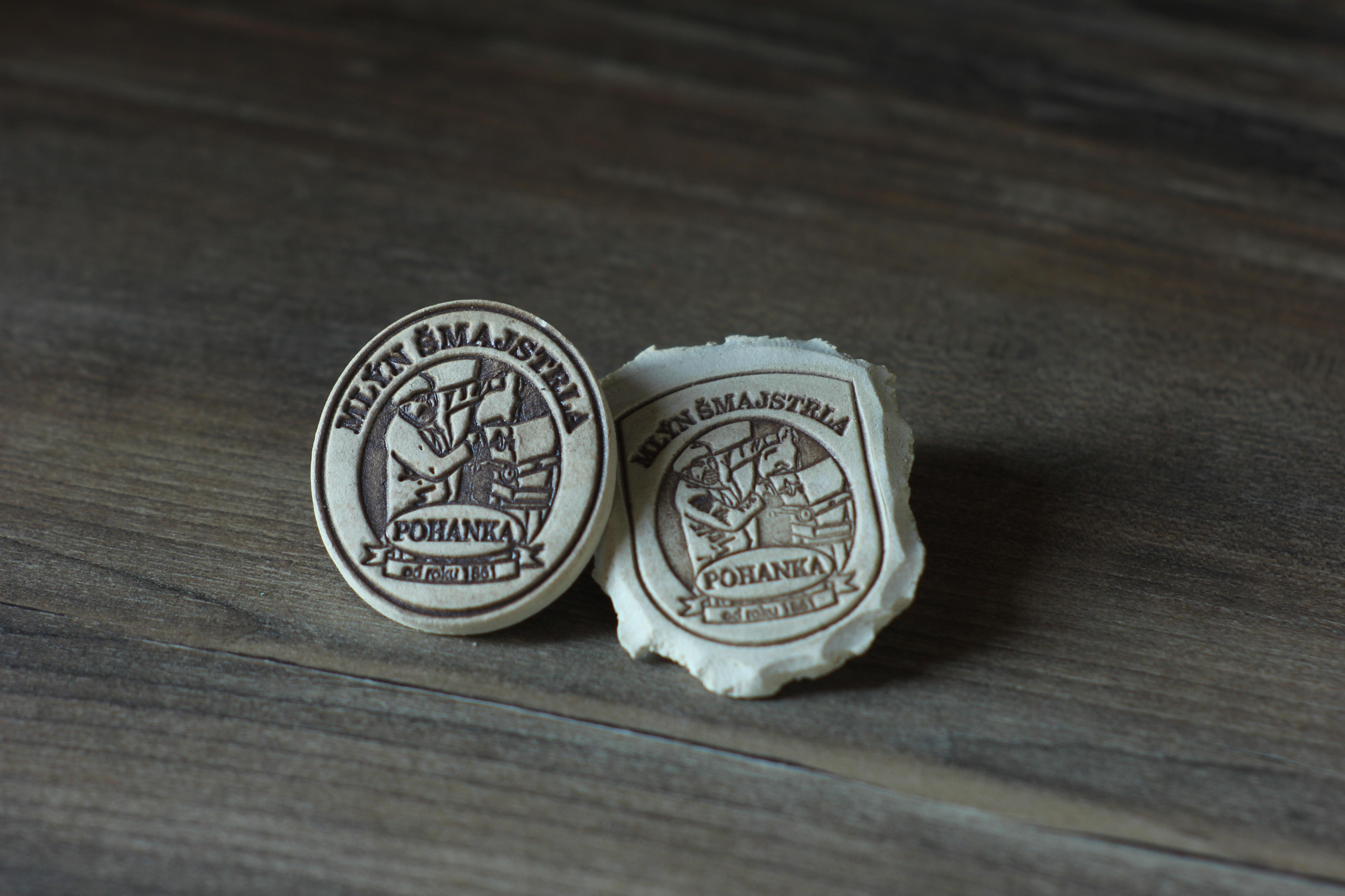Pečeť nebo  medailon - MAGNETKA